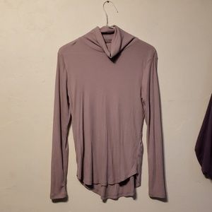 H&M women's purple turtleneck